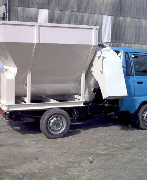 トラック搭載型給餌機 フィードキャリヤー